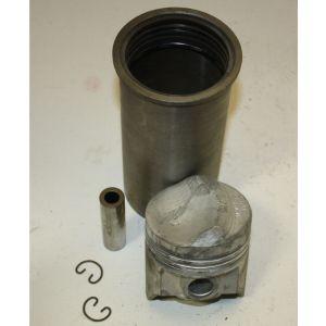 378604R98. Cylinder Kit